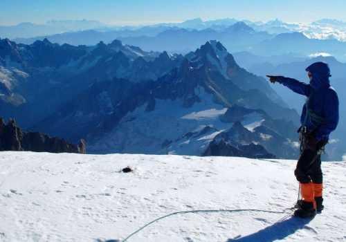 Альпинист на Монблане