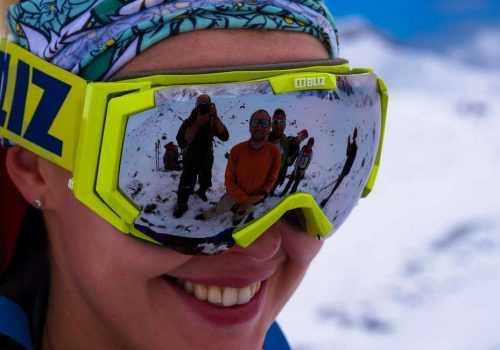 Альпинистка в лыжной маске